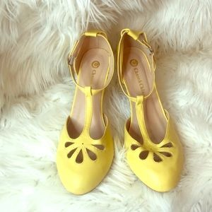Chase & Chloe Yellow Mary Jane Heels